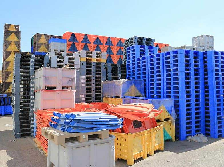 Gigantic Crates produced by SM6500-TP Injection Molding Machine
