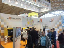 Lots of visitors gathered around Chen Hsong injection molding machine in Fakuma 2015