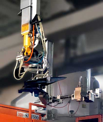 GSK auto parts manufacturer uses ChenHsong's injection molding machines to improve the production quality of auto parts