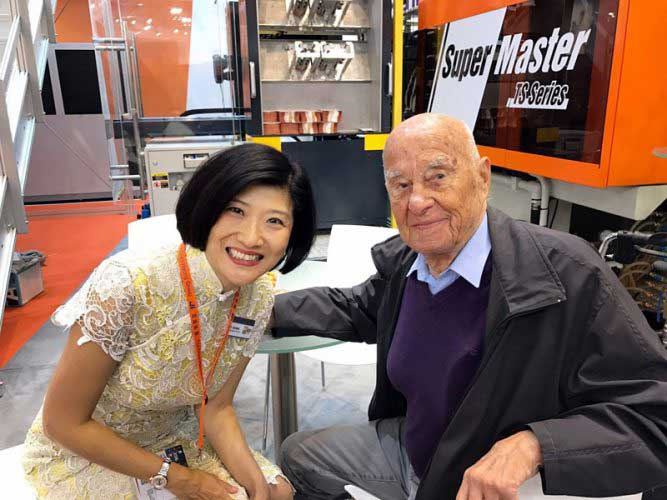 The father of polymers, Professor George Menges of Aachen University, visiting the Chen Hsong booth.