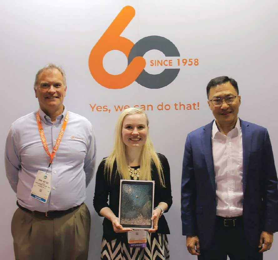 Lucky winner gets a iPad from CH-America lucky draw in NPE2018.