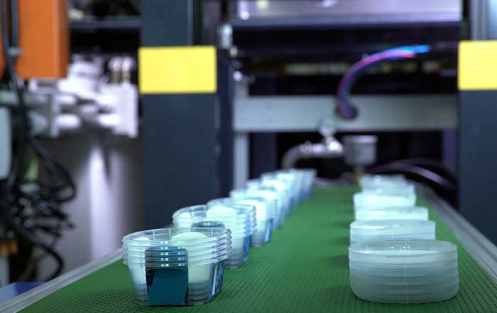 Disposable Plastic Containers with IML are produced by SM200TSV Injection Molding Machine