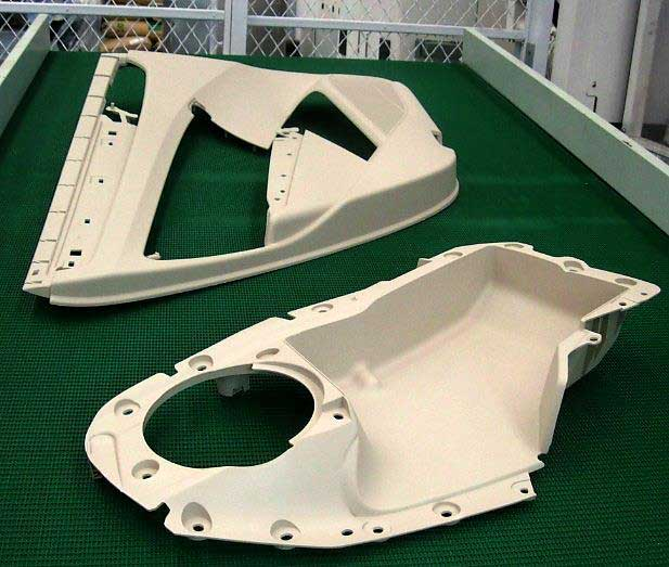Volkswagen Car Door Panels producing by SM1900-TP injection molding machine