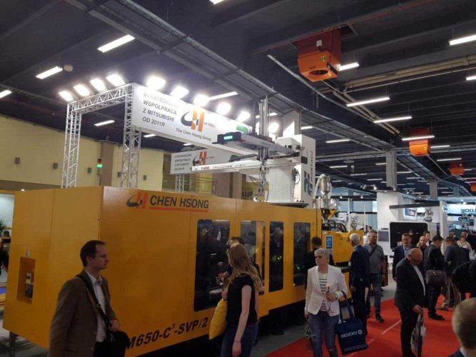 Chen Hsong's JM650-C 3 -SVP / 2 Injection Molding Machine caught everyone's eyes.